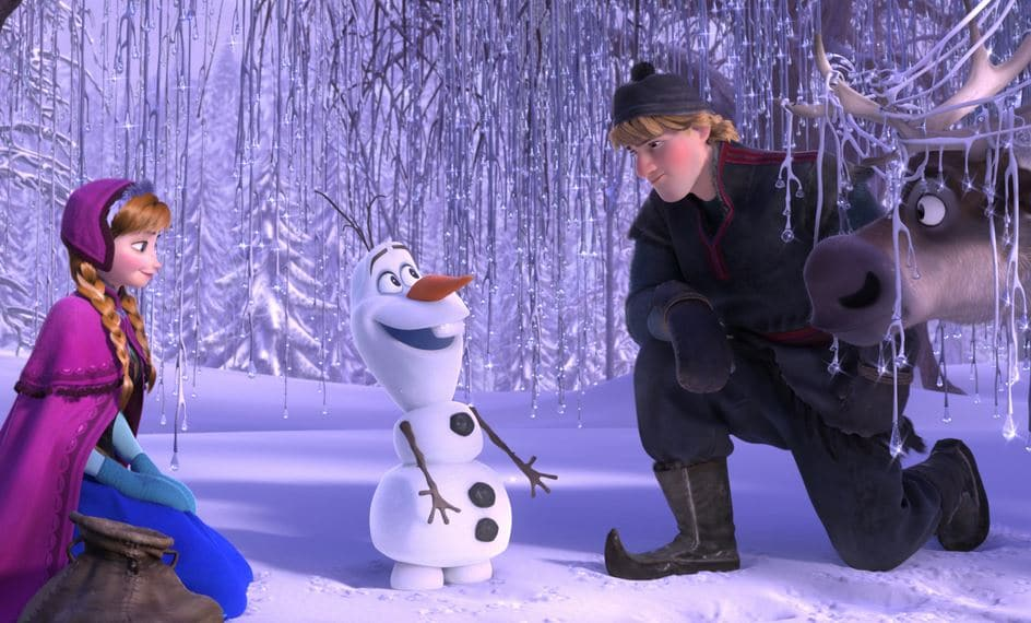 Olaf meets Anna and Kristoff
