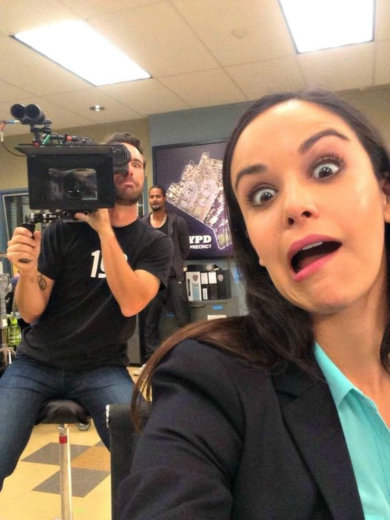 Behind the scenes with Amy Brooklyn Nine-Nine Poster
